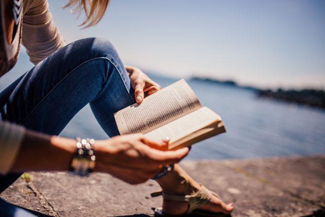Buiten boeken lezen