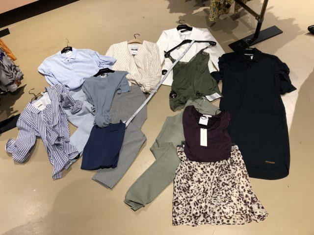 selectie van gekozen kleding bij Voorwinden