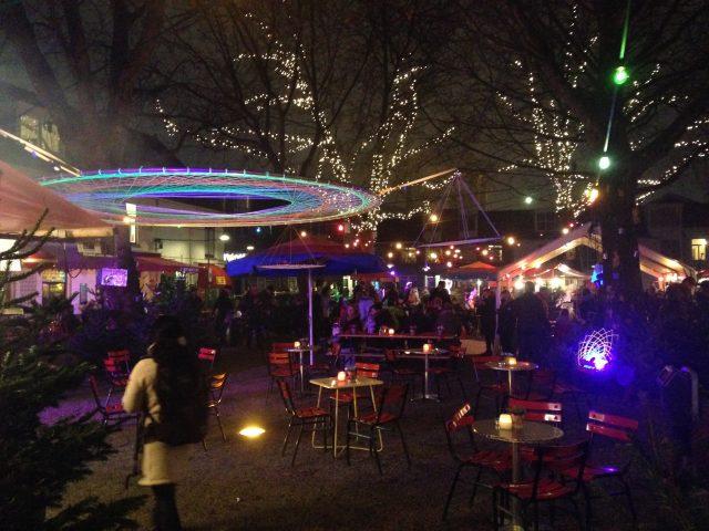 Lichtjesavond op het Doelenplein Delft