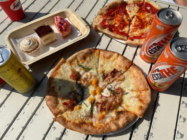 Pizza in de kasteeltuin van De Haar