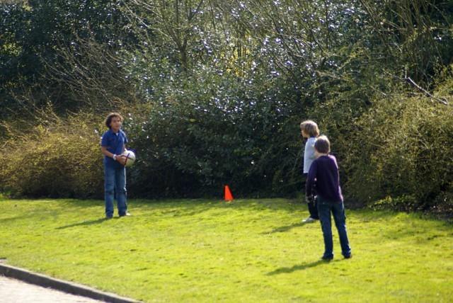 voetballen met het gezin